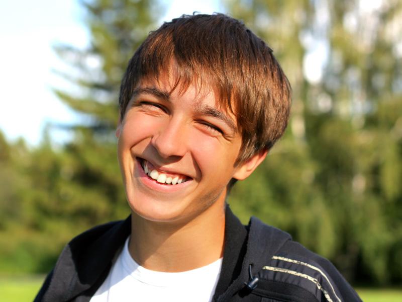 Læs mere om hvordan du sikrer sunde tænder hele livet
